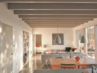 Rose House, Kingsdown Emmett Russell Architects Modern living room
