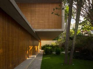 Häuser von Studio MK27, Modern