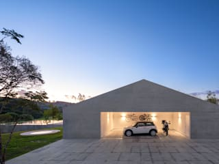 Garage/shed by Studio MK27