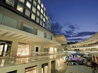 Oficinas y tiendas de estilo  por Sordo Madaleno Arquitectos