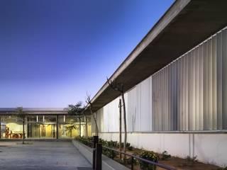 "Infant and Primary Educational Centre ""Ángeles Martín Mateo"" gabriel verd arquitectos Espacios"