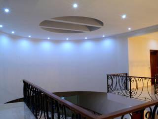 Casa Colomos Pasillos, vestíbulos y escaleras clásicas de Excelencia en Diseño Clásico