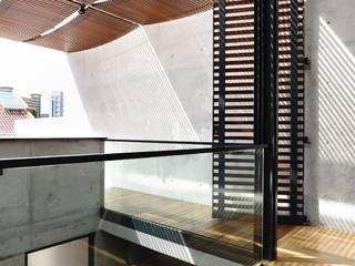 HYLA Architects의  베란다