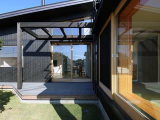 Balcones y terrazas de estilo ecléctico de 建築設計事務所 住記屋 Ecléctico