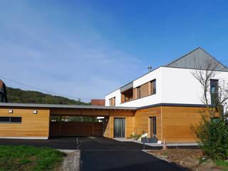 Maison T par Vinicio Ferrari et Associés Moderne