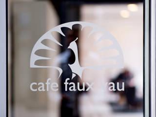 Café Faux Vau by UniversalProjekt:  Ladenflächen von UniversalProjekt Laden- und Innenausbau GmbH