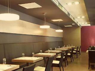 PROYECTO HOTEL ELS ARENALS: Pasillos y vestíbulos de estilo  de Sheila Cuello design