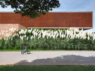 Jardin moderne par Hanazaki Paisagismo Moderne