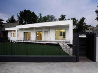 Villa Biancocubo: Case in stile  di Marg Studio