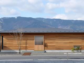 軒下のいえ: ツジデザイン一級建築士事務所が手掛けた家です。