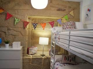apartamento con encanto Dormitorios de estilo clásico de Decoria Estudio Clásico