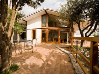 Villa ad Ansedonia II: Case in stile  di Studio Transit