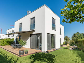 Modern home by herzog,kassel+partner Modern