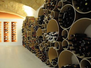 Esigo 8 cardboard wine rack, a bunch of colour! por Esigo SRL Moderno