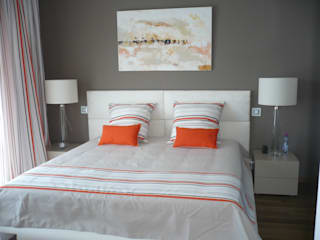 ChAMBRE ORANGE: Chambre de style  par Saint Roch KA International