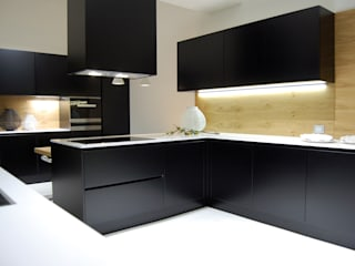 modern Kitchen by Studio Versuro
