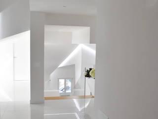 Moderner Flur, Diele & Treppenhaus von homify Modern