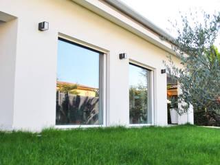 villaeffe: Case in stile in stile Moderno di Salvatore Nigrelli Architetto