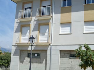 87 viviendas en Navaluenga:  de estilo  de Juan Jose Hernanz Manrique