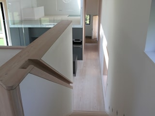 M House Modern Corridor, Hallway and Staircase by JAMIE FALLA ARCHITECTURE Modern