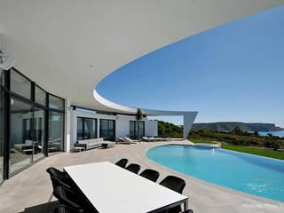 Project in Praia da Luz por Reflexões Contemporary Design