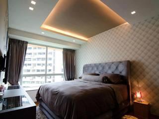 Condominium at Caspian クラシカルスタイルの 寝室 の Honeywerkz クラシック
