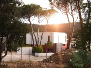 Villa F: Maisons de style  par Atelier-RS Architecture