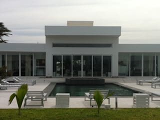 minimalist  by ANDREA PONTOGLIO ARCHITECT, Minimalist