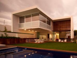 Modern garden by Hernandez Silva Arquitectos Modern