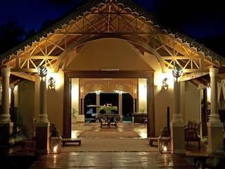Ocean Beach Resort & Spa - kenya di ANDREA PONTOGLIO ARCHITECT Coloniale