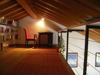 Studio in un fienile: Studio in stile In stile Country di studio architetti milano como