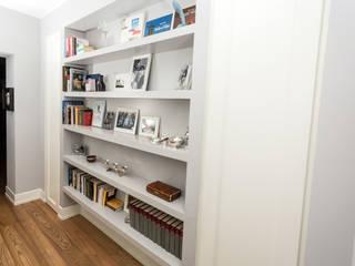 Casa R: Case in stile in stile Moderno di Geometrie Arredamenti