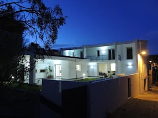 Nowoczesne domy od Sergio Aruanno Studio di architettura Nowoczesny