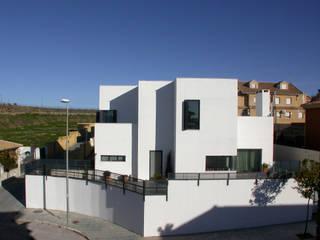 VIVIENDA UNIFAMILIAR PM: Casas de estilo minimalista de forma2arquitectos