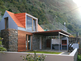 Stone Barn Conversion Jardim Rustic style hotels by Mayer & Selders Arquitectura Rustic