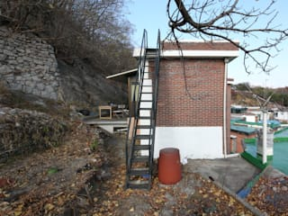 철민이네 집수리(CHULMIN'S JIP-SOORI) 미니멀리스트 주택 by 무회건축연구소 미니멀