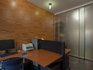 Modern office buildings by MOVI ITALIA SRL Modern