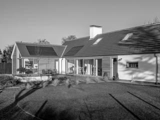 Lockington Modern houses by Jonathan Smith Architects ltd Modern