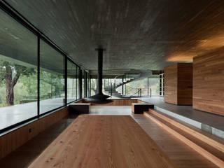 Salones de estilo moderno de JPL Arquitecto