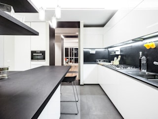 Kitchen by 23bassi studio di architettura