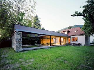 Case in stile  di Atelier Thomas Pucher