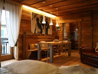 Appartamento a Bormio Sala da pranzo in stile rustico di Architetto Stefania Colturi Rustico