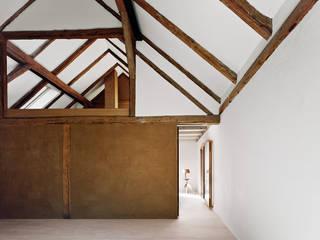 JAN RÖSLER ARCHITEKTEN Puertas y ventanas de estilo minimalista