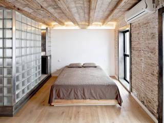 Mediterranean style bedroom by Alex Gasca, architects. Mediterranean