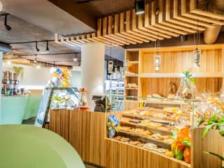 El Jardín de la Tahona  : Locales gastronómicos de estilo  de RCP arquitectos