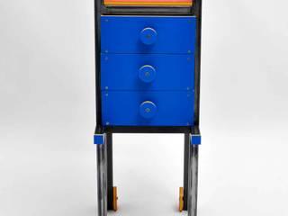 Gaia Cabinet: Giardino in stile  di Happy Designer Erika