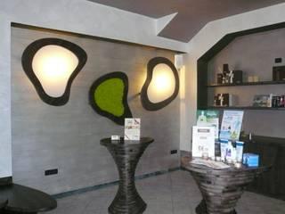 Paredes de estilo  por Architetto Stefania Colturi