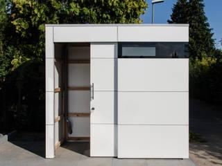 Modern garage/shed by design@garten - Alfred Hart - Design Gartenhaus und Balkonschraenke aus Augsburg Modern Wood-Plastic Composite
