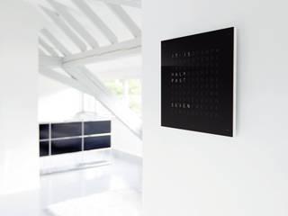 QLOCKTWO CLASSIC: modern  von Biegert & Funk,Modern