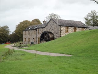 Melin Esgob, Llannerch-y-Medd, North Wales : rustic Houses by Capra Architects